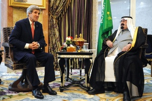 Kerry with Saudi King Abdullah (photo courtesy of State Department)