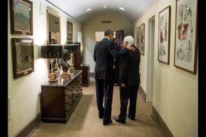 Abbas and Obama confer at the White House