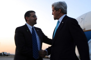 John Kerry meets US Ambassador to Israel Dan Shapiro in Tel Aviv, March 31, 2014.